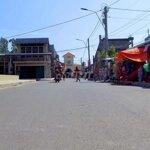 Nền Khu Chợ Láng Sen, Kinh Doanh Mua Bán Tấp Nập