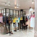 Sang Nhượng Shop Thời Trang Mặt Phố Phan Đình Phùng Với Mặt Tiền 8,5M Cực Phẩm ... !