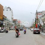 Nhà Mặt Tiền Nguyễn Văn Cừ