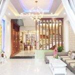 Bán nhà đẹp 3 tầng gần Hoàng Thị Loan, 3PN, 4WC