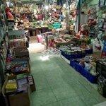 Sang Cửa Hàng Tạp Hóa Trong Lòng Chợ