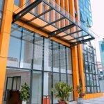 Văn Phòng  Đường D1 Quận Bình Thạnh 200M²