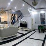 Siêu biệt thự bể bơi, để lại toàn bộ nội thất ngoại nhập cực đẹp tại vinhomes imperia liên hệ: 0934396789