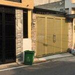 Nhà 100m2 mới sơn sửa, có sân đậu xe hơi, quận 9