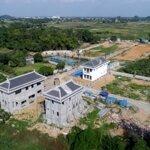 Bán lô biệt thự nghỉ dưỡng ven đôdiện tích290m2, giá bán 9, 5 triệu/m2 đã bao gồm tiền đất + xây dựng và nội thất.