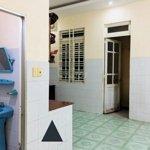 Nhà 1 trệt 1 lầu, 3 phòng ngủ giá bán 10 triệu/tháng tnp b,q9