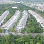 Cần cho thuê văn phòng khu phố trúc ecopark, diện tích mặt sàn 200m2 giá thuê chỉ 15 triệu/tháng