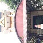 Nhà 2 tầng 1 tum ( 3 fong ngủ , 1 fong khách)