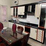 Mặt phố yên lạc 60m2 x 3 tầng , 3 phòng ngủ , giá bán 12 triệuiệu /tháng . l/h 0988226793