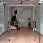 40m2 thông sàn trần đai nghĩa có vỉa hè cần cho thuê làm vp
