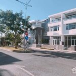 Cho thuê biệt thự diện tích sử dụng: 248 m2, ngay trung tâm q.7