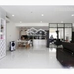 Cho thuê gấp căn hộ sky garden 2 nhà đẹp 2 phòng ngủ giá bán 12 triệu/tháng liên hệ: 0916769639