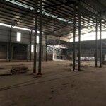 Bán hoặc cho thuê xưởngdiện tích5000m2 đã chuyển đổi đất công nghiệp 3300m2 tại tp hoà bình. giá bán 12 tỷ