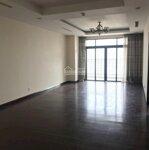 (new) cần cho thuê căn hộ 2 phòng ngủ royal city diện tích 110m2 giá bán 14 triệu/ tháng lh tuấn 0799998982