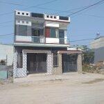 Cần bán 2 cái nhà mới xây dựng