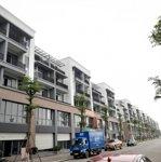 Bán nhà 5 tầng giá đợt 1 rẻ hơn thị trường 300 triệu 100m2, hướng đông nam view bể bơi