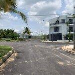 Bán gấp đất làng sen việt nam lô d6, c7 diện tích 82m2 nở hậu giá bán 630 triệu chính chủ