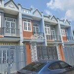Nhà mới 4x14 đúc 1 tấm - gần chợ đình -sát hóc môn