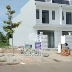Nền cạnh nhà mới xây giá cực rẽ