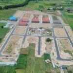 Bán gấp lô đất nằm ngay trung tâm hành chính huyện đức hòa, long an, 8 triệu/m2,shr, liên hệ: 0936828570.