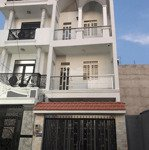 Chính chủ cần bán gấp căn nhà 1 trệt 2 lầu ở đức hòa, long an, giáp thành phố, shr