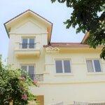 Cho thuê biệt thự song lập 300m2 tại khu đô thị vinhomes riverside. giá: 40 triệu/th. liên hệ: 0906288866