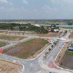 đất nền đối diện sân golf west lakes & villas chỉ 8,4 m2/ nền .