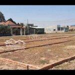 Cần bán miếng đất gần thị trấn đức hòa năm ngay mt