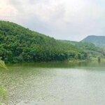 Mảnh đất mặt hồ đồng chanh 3500m2 tuyệt đẹp cho việc xây nghỉ dưỡng giá khá hợp lý để sở hữu