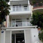 Cho thuê nhà 4 tầng mặt đường 32 sầm uất dễ kinh doanh