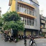 Cho thuê nhà mặt phố giảng võ 63m2- ngang 7,2m-3 tầng