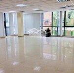 Cho thuê văn phòng mặt đường láng hạ, đống đa, hn. diện tích 80-100m2. giá bán 17 triệu/tháng