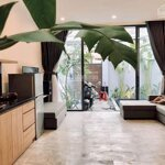 Cho thuê villa gần sát bãi biển my khê và gần khu phố an thuong , giá rẻ