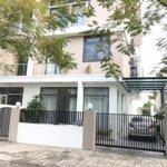 Chính chủ cần bán gấp căn mặt đường 27 an phú shop villa,diện tích198m2, giá bán 18.2 tỷ. liên hệ: 0982.545.767
