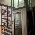 Cho thuê nhà lương thế vinh, 75m2*5 tầng, có thang máy, điều hòa, giá bán 30 triệu, 0817992222 a dự