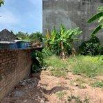 48,5m đât thôn dậu di trạch hoài đức xây nhà ở