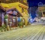 Cần bán khách sạn đẹp nhất nhì khu phố tây sa pa. có 26 phòng và 1 nhà hàng. sổ đỏ chính chủ