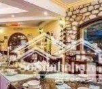 Khách sạn đẹp nhất nhì khu phố tây sa pa. phong cách châu âu. sổ đỏ chính chủ. cần bán giá rẻ