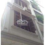 Nhà 5 tầng 30m2 đỗ oto trước cửa tại lạc long quân