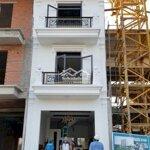 Nhà phố hoàn thiện 1 trệt 2 lầu,mặt tiền tl884,shr