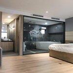 Cho thuê căn hộ vip tầng 12 chung cư n01t8 ngđ, 139m2, 4 phòng ngủ 3 vệ sinh đủ đồ , 13 triệu/tháng. liên hệ: 0836291018