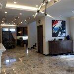 Cho thuê nhà đội cấn , 65m, 6 tầng , ngõ ô tô thoáng , full đồ ,đầy đủ vào ở ngay giá bán 19 triệu