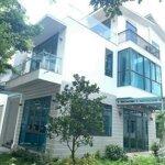 Cần bán biệt thự song lập marinakhu đô thịecopark, 189m2 nhà đã hoàn thiện, giá bán 13.8 tỷ bao phí sổ đỏ