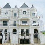 Bán biệt thự góc xịn đường hơn 20m ngay Võ Chí Công khu đô thị Ciputra giá 297tr/m2