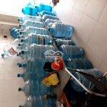 Cửa hàng gạo và nước bình