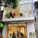 Chính chủ cho thuê măt bằng kinh doanh trên phố chùa bộcdiện tích175mmặt tiền11m giá bán 147 triệu liên hệ: 0338998398