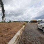 Cần bán miếng đất gần trung tâm đức hoà 80m2 giá 5