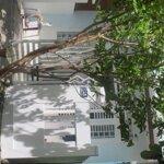 Nhà cấp 4 xây trên đất biệt thự đang cho thuê trọ