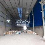 Cho thuê xưởng tổng 600m2 mặt tiền đường. điện 3p
