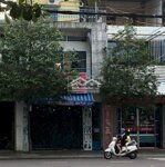 Cho thuê tầng trệt mặt tiền đường lê hồng phong